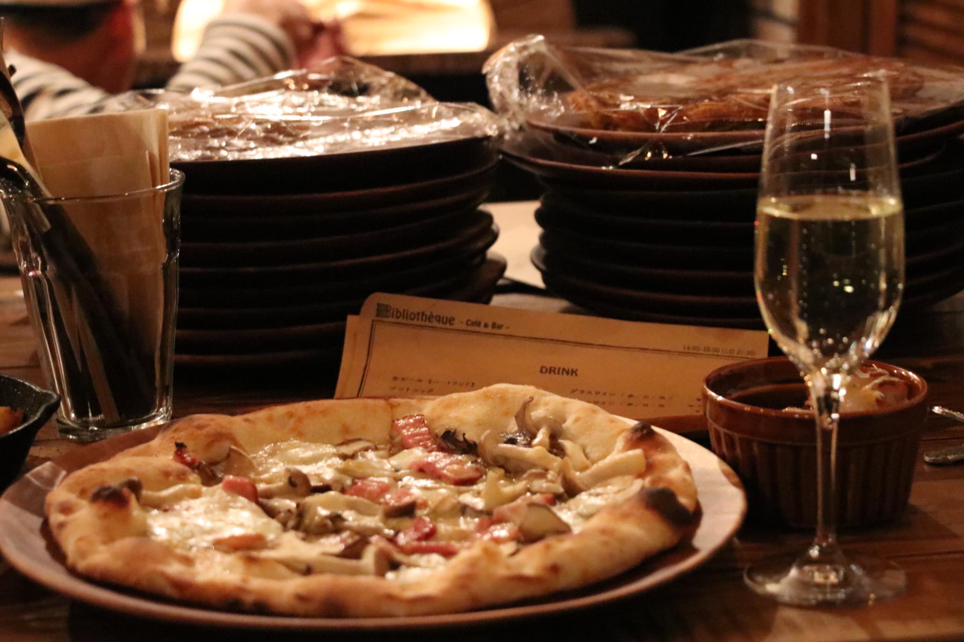 ビブリオテーク-Pizza&Bar